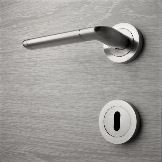 Door handle, Zinc base + Alu. Handle AH005