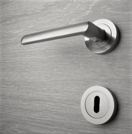 Door handle, Zinc base + Alu. Handle AH006