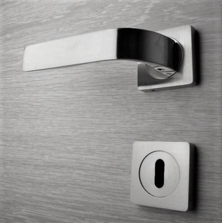 Door handle, Zinc base + Alu. Handle AH009