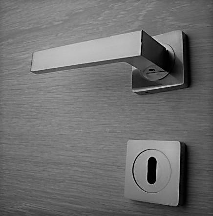 Door handle, Zinc base + Alu. Handle AH011